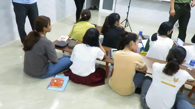 Đà Nẵng: Phát hiện trung tâm ngoại ngữ truyền đạo trái phép cho học viên - Ảnh 3