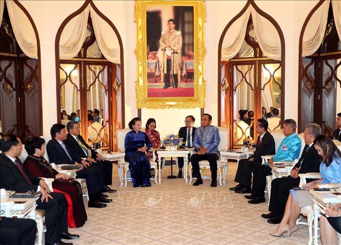 Chủ tịch Quốc hội Nguyễn Thị Kim Ngân hội kiến Thủ tướng Thái Lan - Ảnh 2