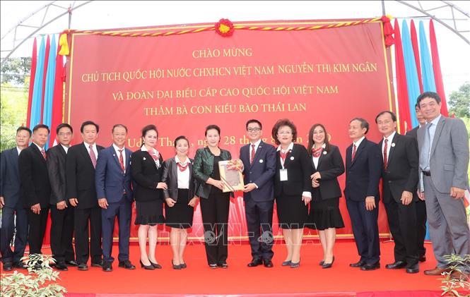 Chủ tịch Quốc hội thăm khu Di tích Chủ tịch Hồ Chí Minh tại tỉnh Udon Thani và gặp gỡ kiều bào - Ảnh 8