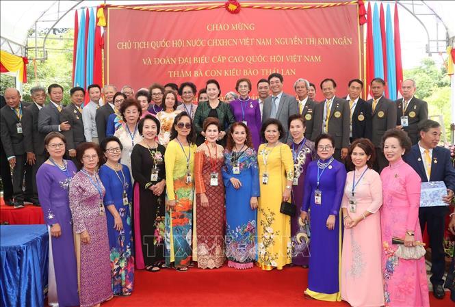 Chủ tịch Quốc hội thăm khu Di tích Chủ tịch Hồ Chí Minh tại tỉnh Udon Thani và gặp gỡ kiều bào - Ảnh 9