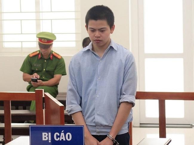 Hà Nội: Nghịch tử 19 tuổi đâm mẹ trọng thương vì bị la mắng lĩnh 14 năm tù - Ảnh 1