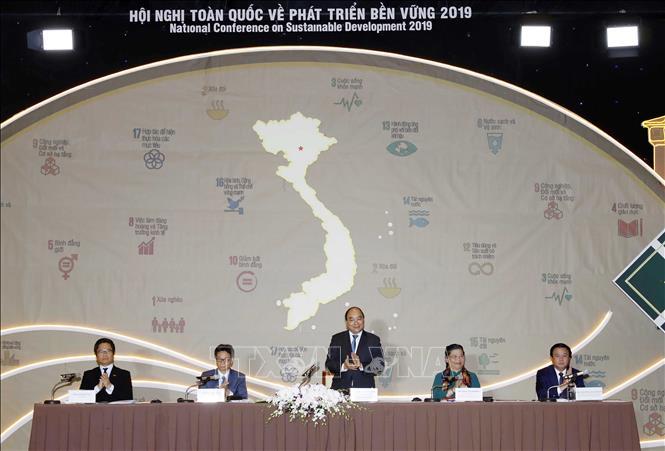 Thủ tướng Nguyễn Xuân Phúc chủ trì Hội nghị toàn quốc về Phát triển bền vững 2019 - Ảnh 5