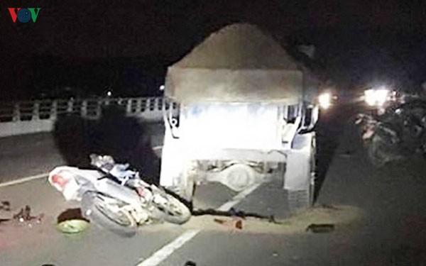 Nghệ An: Hai xe máy tông trực diện, 3 người nguy kịch - Ảnh 2