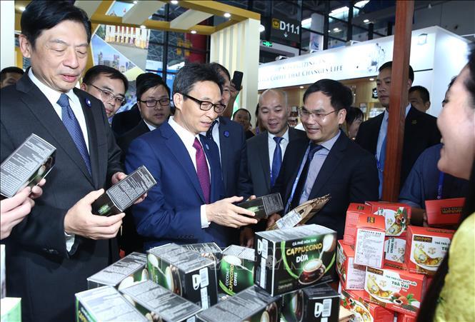 Phó Thủ tướng Vũ Đức Đam dự Hội nghị Thượng đỉnh thương mại-đầu tư Trung Quốc-ASEAN - Ảnh 2