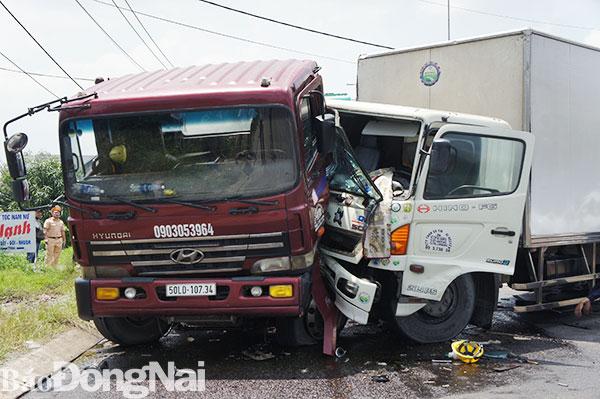 Tin tức tai nạn giao thông mới nhất hôm nay 24/9/2019: Container tông liên hoàn 4 ôtô, 2 người bị thương - Ảnh 2