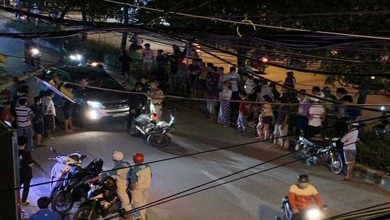Tin tức tai nạn giao thông mới nhất hôm nay 30/9/2019: Ô tô 'điên' tông hàng loạt xe dừng đèn đỏ - Ảnh 4