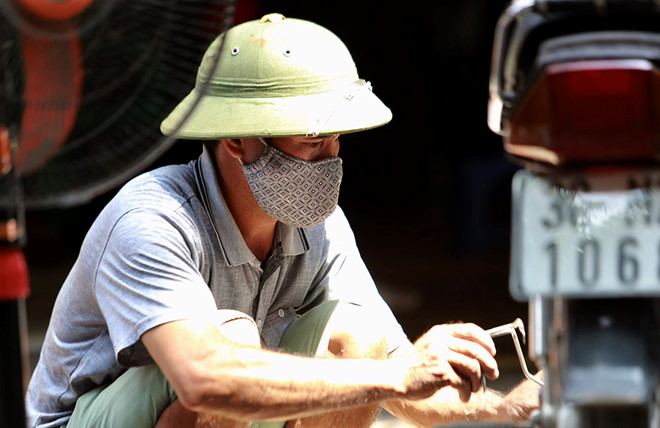 Vụ cháy công ty Rạng Đông: Bộ Y tế đưa ra khuyến cáo về sức khỏe của người dân - Ảnh 1
