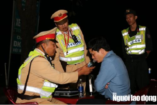 Quảng Bình: Xem xét kỷ luật phó trưởng phòng giáo dục say xỉn lái xe, bị phạt 35 triệu - Ảnh 2