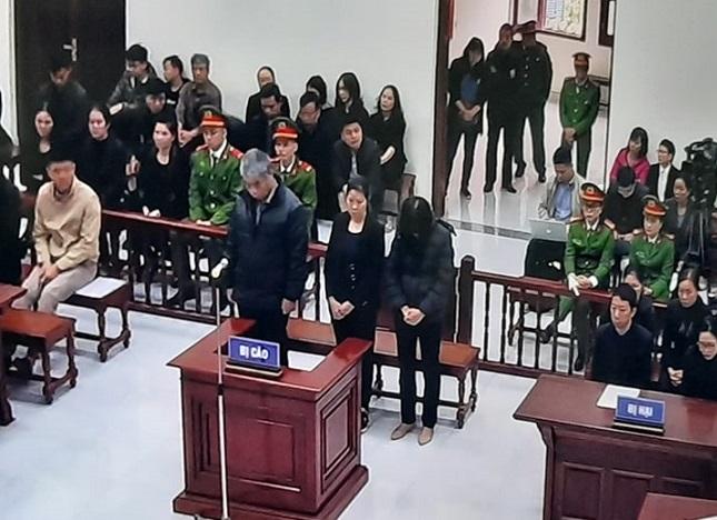 Xét xử vụ bé trai trường Gateway tử vong: Nguyễn Bích Quy đóng vai trò chính, lãnh 24 tháng tù - Ảnh 2