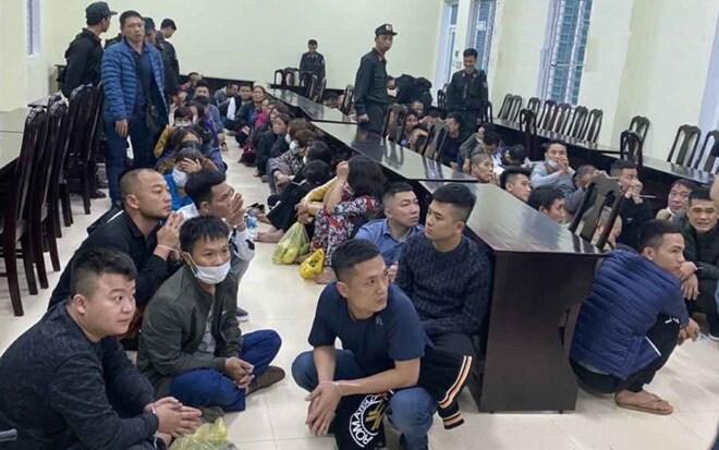 Nghệ An: Khởi tố vụ triệt xóa sới bạc khủng bên bờ sông Lam, bắt 100 đối tượng về quy án - Ảnh 1