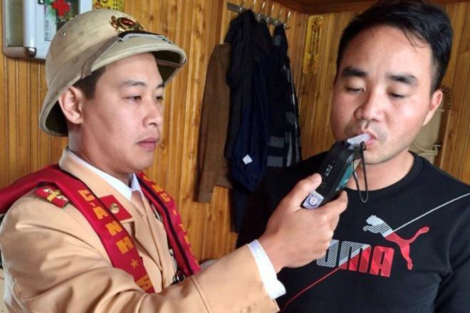 Bắc Ninh: Hai thuyền trưởng vi phạm nồng độ cồn, bị phạt 750 nghìn đồng - Ảnh 1