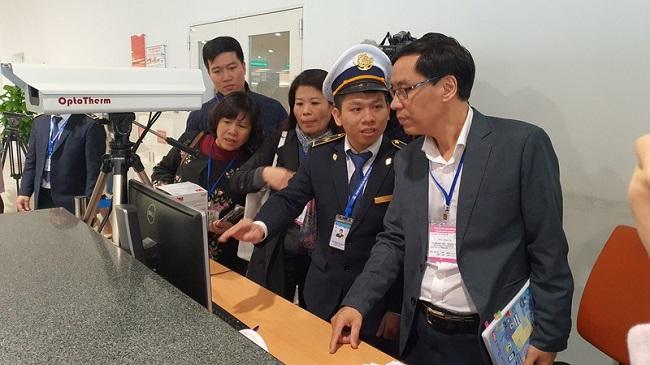 Dịch bệnh từ Trung Quốc diễn biến phức tạp, bộ Y tế tiến hành họp khẩn chiều 27 Tết - Ảnh 1