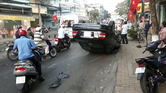 Tin tai nạn giao thông mới nhất ngày 28/1/2020: Va chạm xe khách, nam sinh lớp 6 tử vong - Ảnh 3