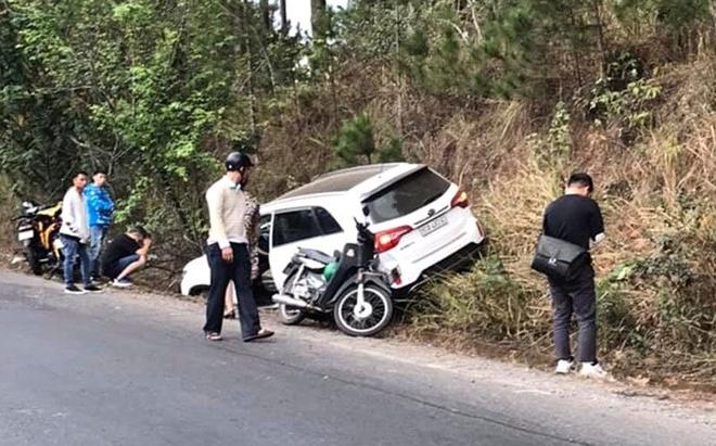 Tin tai nạn giao thông mới nhất ngày 1/2/2020: Xe máy lao vào lan can, 2 thanh niên thương vong - Ảnh 3