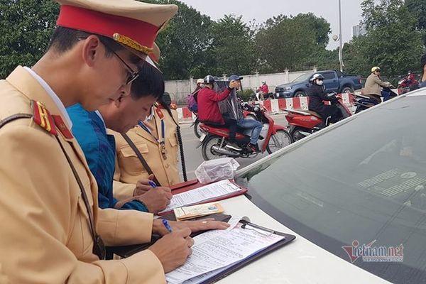 Hà Nội: Tài xế bị phạt gần 40 triệu, tước GPLX 23 tháng sau bữa nhậu trong đám hỏi - Ảnh 1