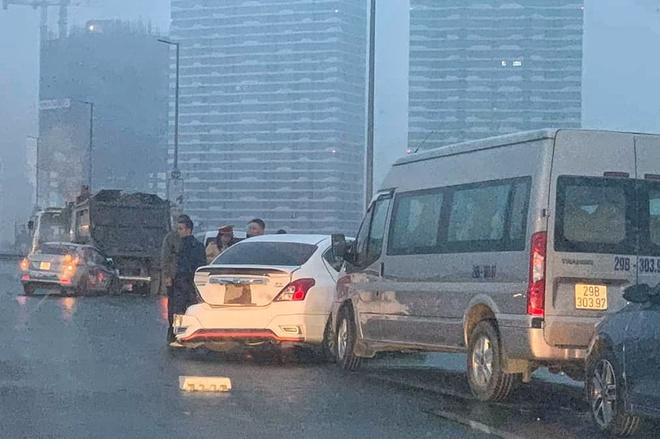 Tin tai nạn giao thông mới nhất ngày 5/1/2020: Va chạm xe tải, hai nữ sinh 16 tuổi thương vong - Ảnh 3