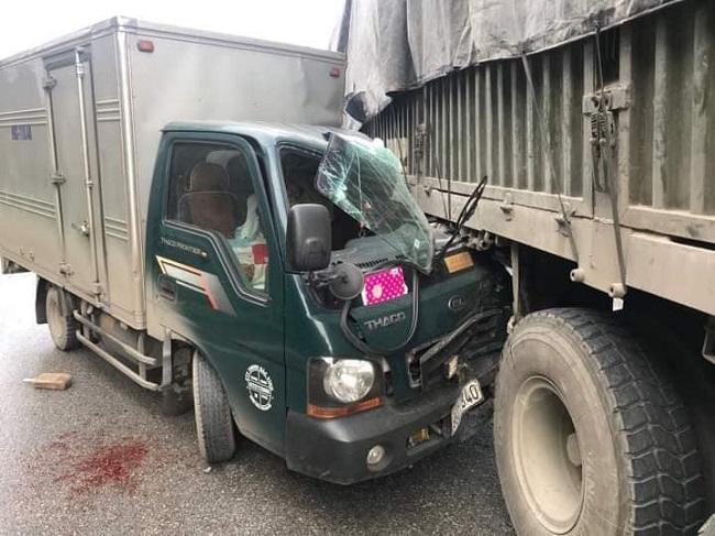 Va chạm xe tải, hai nữ sinh 16 tuổi thương vong trên đường đến trường - Ảnh 2