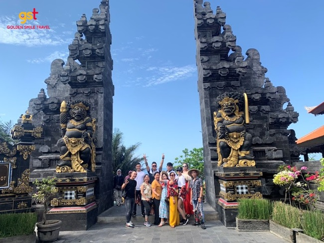Tour khách đoàn Golden Smile Travel: Du lịch đoàn kết, đẳng cấp doanh nghiệp - Ảnh 3