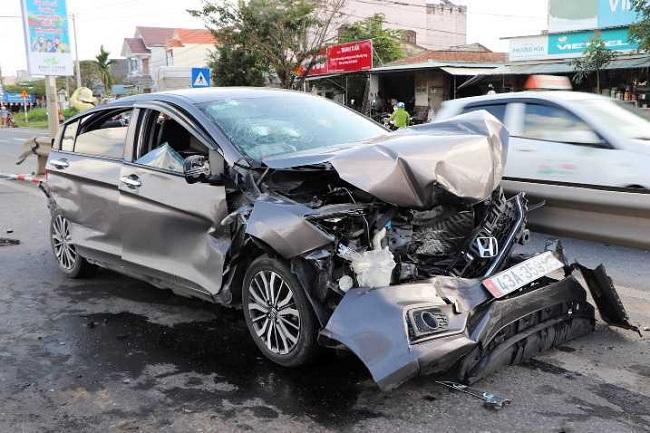 Tin tai nạn giao thông mới nhất ngày 7/1/2020: Thanh niên uống 2 lon bia bị phạt 7 triệu đồng - Ảnh 4