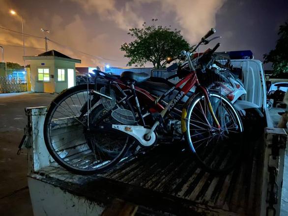 Hà Tĩnh: Người đàn ông say rượu đi xe đạp bị phạt 500 nghìn đồng - Ảnh 2