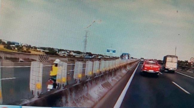 Tin tai nạn giao thông mới nhất ngày 8/1/2020: Xe tải đâm tử vong người đi xe đạp nhặt ve chai - Ảnh 3