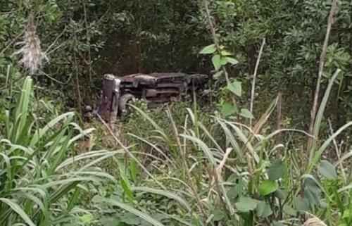 Bình Dương: Người phụ nữ đi xe máy bay qua hàng rào 2m tử vong tại chỗ - Ảnh 2