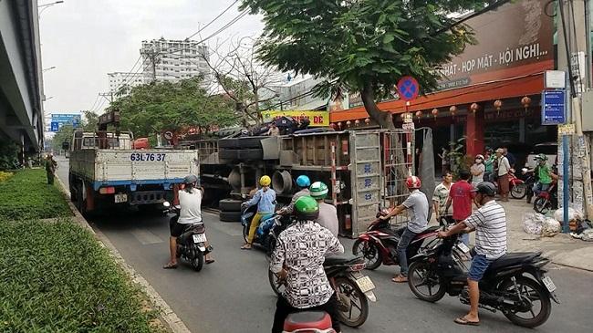 Tin tai nạn giao thông mới nhất ngày 11/2/2020: Xe limousine lao xuống đèo, 8 người thoát chết - Ảnh 3