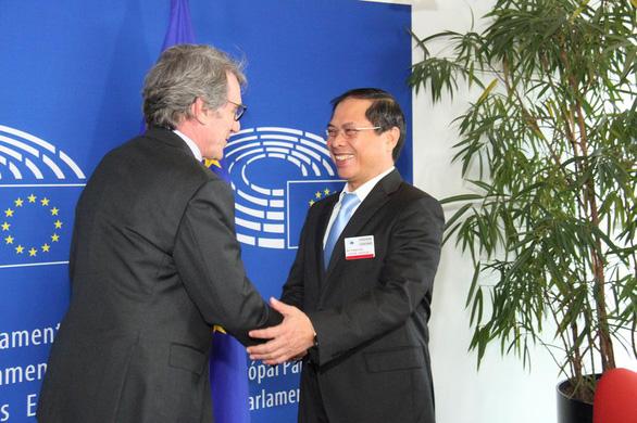 Nghị viện châu Âu thông qua Hiệp định Thương mại tự do giữa Việt Nam và EU - Ảnh 1