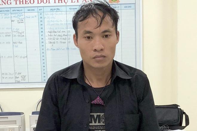 Khám nhà nghi phạm bán ma túy Lóng Luông, đại úy công an bị bắn trọng thương - Ảnh 1