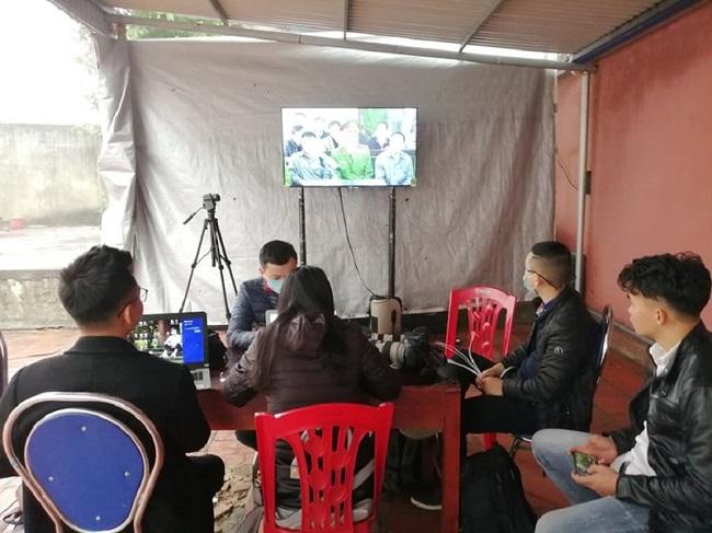 An ninh thắt chặt tại phiên tòa xử vụ container đâm Innova đi lùi trên cao tốc Thái Nguyên - Ảnh 5