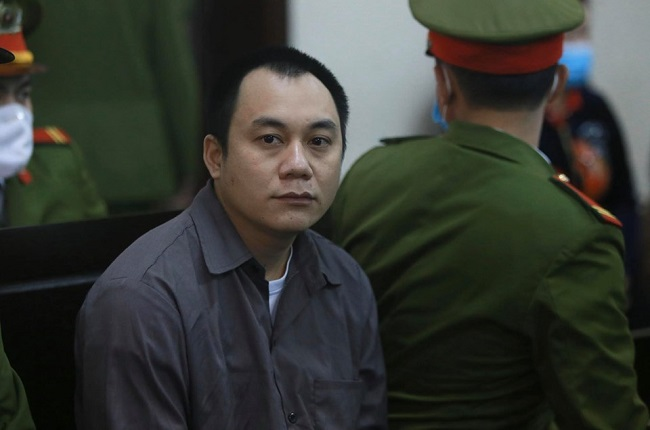 An ninh thắt chặt tại phiên tòa xử vụ container đâm Innova đi lùi trên cao tốc Thái Nguyên - Ảnh 7