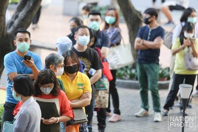 Choáng vì cảnh người dân nhiều nước châu Á xếp hàng dài chờ mua khẩu trang - Ảnh 5