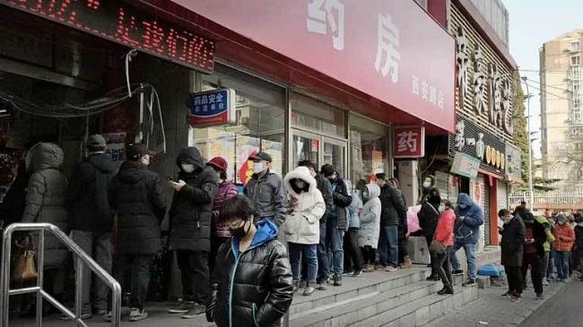 Choáng vì cảnh người dân nhiều nước châu Á xếp hàng dài chờ mua khẩu trang - Ảnh 6