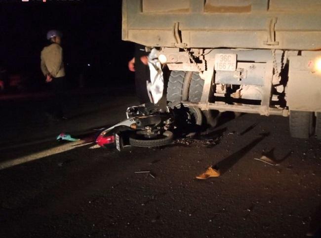 Tin tai nạn giao thông mới nhất ngày 26/2/2020: Va chạm với xe tải, đôi nam nữ tử vong - Ảnh 4