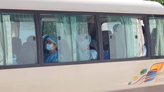Đà Nẵng họp quyết vụ đoàn du khách Hàn Quốc đến từ vùng dịch không chịu cách ly - Ảnh 1