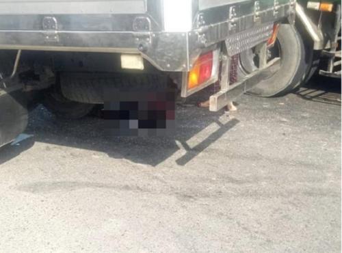 Tin tai nạn giao thông mới nhất ngày 9/2/2020: Người phụ nữ bị xe tải cán tử vong thương tâm - Ảnh 3