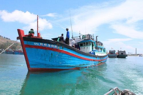 Quảng Ngãi: 3 ngư dân tử vong vì tàu cá bất ngờ phát nổ - Ảnh 1