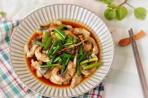 Bữa trưa đơn giản với món cá trộn nước tương  - Ảnh 5
