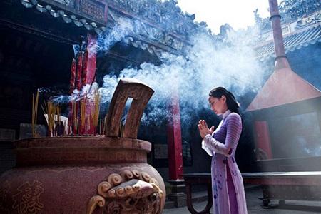 Những điều cần đặc biệt lưu ý khi đi lễ chùa tháng cô hồn - Ảnh 1