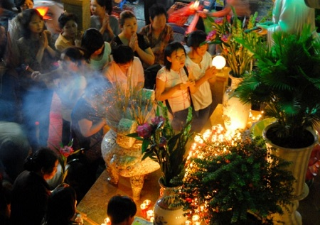 Những điều cần đặc biệt lưu ý khi đi lễ chùa tháng cô hồn - Ảnh 2