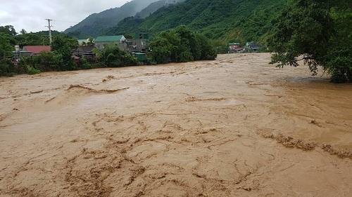 Nghệ An: 5 người thiệt mạng vì mưa lũ sau bão số 4 - Ảnh 1