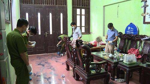 Vụ vợ chồng bị sát hại ở Hưng Yên: Tìm thấy giày, tất của nghi phạm - Ảnh 2