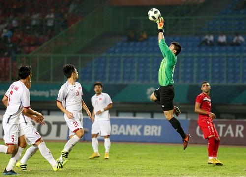Giữ sạch lưới sau 5 trận, Bùi Tiến Dũng khiến cả châu Á phải ngưỡng mộ - Ảnh 2