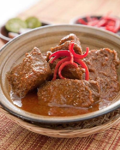 Đến Indonesia cổ vũ cho Olympic Việt Nam đừng quên thử những món ăn đặc sản này - Ảnh 2