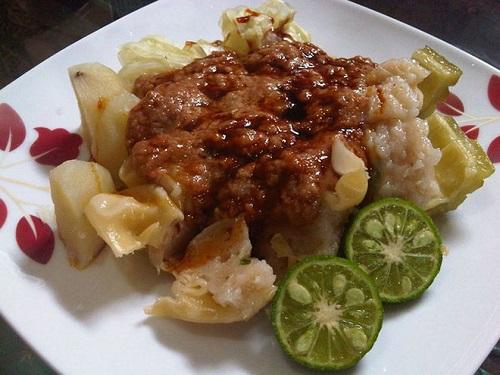 Đến Indonesia cổ vũ cho Olympic Việt Nam đừng quên thử những món ăn đặc sản này - Ảnh 7