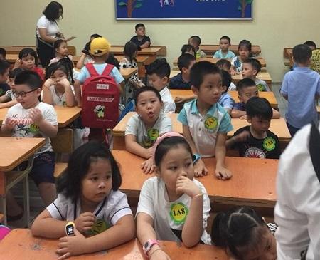 Hà Nội: Sĩ số lớp 1 lên tới 69 học sinh, nhiều lớp phải học luân phiên - Ảnh 3
