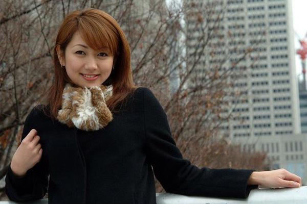 Nhan sắc nữ triệu phú giàu nhất Trung Quốc - Ảnh 2