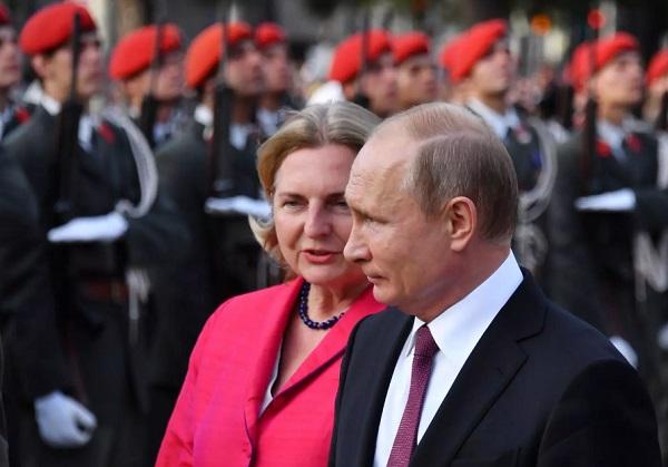 Tổng thống Putin dự đám cưới Ngoại trưởng Áo gây xôn xao - Ảnh 1