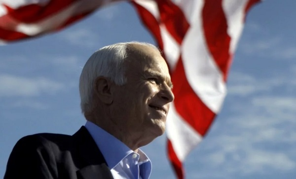 Thượng nghị sỹ Mỹ John McCain ngừng điều trị ung thư não do di căn quá nặng - Ảnh 1