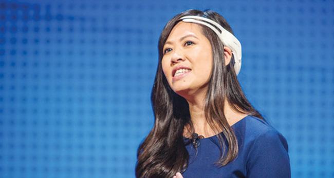 Nữ doanh nhân gốc Việt chế tạo thiết bị giúp lái xe F1 bằng suy nghĩ - Ảnh 1